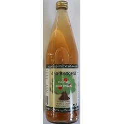 Apple juice with elderflower